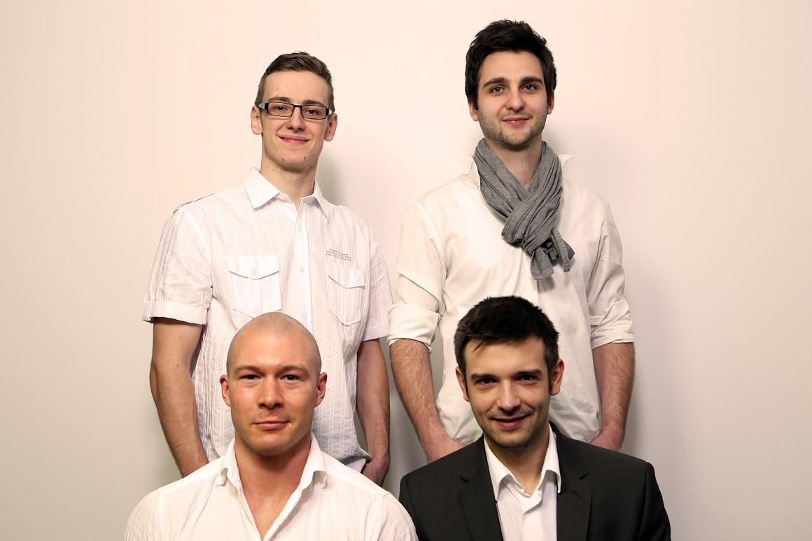 Globologo Team