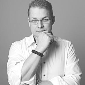 Uwe W. Redler